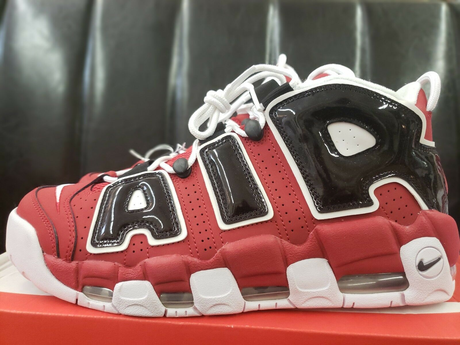 Nike Air More Uptempo '96 Bulls Hoop Pack 921948 600 Red Size 10 DEADSTOCK