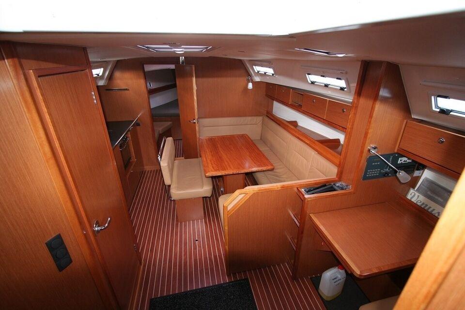 Bavaria 40 Cruiser, årg. 2011, fod 40