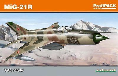 Eduard 1//48 Model Kit 84123 Mikoyan MiG-21R Fishbed Weekend Series C