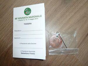 ANA Medaglia adunata alpini L'Aquila 2015 (88° adunata nazionale) con tessera - Italia - ANA Medaglia adunata alpini L'Aquila 2015 (88° adunata nazionale) con tessera - Italia