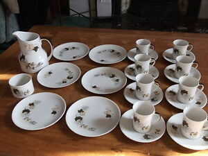 A-DELIGHTFUL-COFFEE-SERVICE-FOR-6-BY-ROYAL-DOULTON