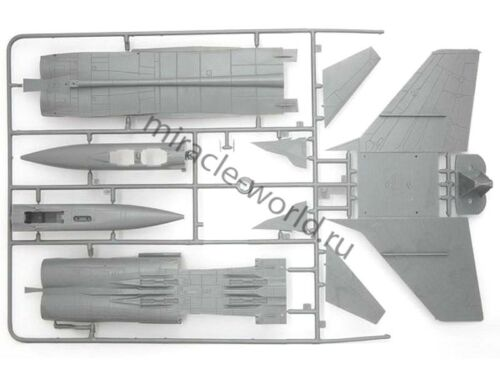 russian interceptor aircraft// 1//72 //soviet Zvezda 7229 MiG-31 Foxhound MiG