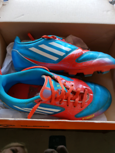 ADIDAS Footy Boots US Size 3 Good Condition!