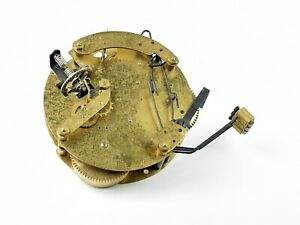 altes-Uhrwerk-Ersatzteil-Tischuhr-Kaminuhr-Uhr-Uhrmacher-clock-watchmaker