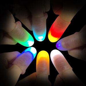 2-Pieces-Lumiere-LED-Doigt-Pouce-Pointe-Kuso-Blague-Magie-Tour-Fete-Accessoires