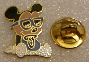 BABY-MICKEY-with-GLASSES-and-SUCKER-vintage-DISNEY-pin-badge-Z4X