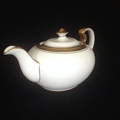 Aynsley Teapot Elizabeth Model 7947 White