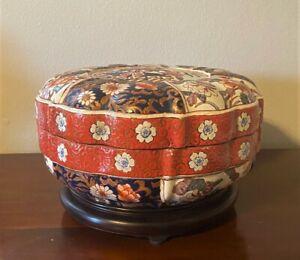Antique-Chinese-Imari-Porcelain-Scalloped-Edge-Bowl-Box-Jar-w-Lid-amp-Stand-14-034