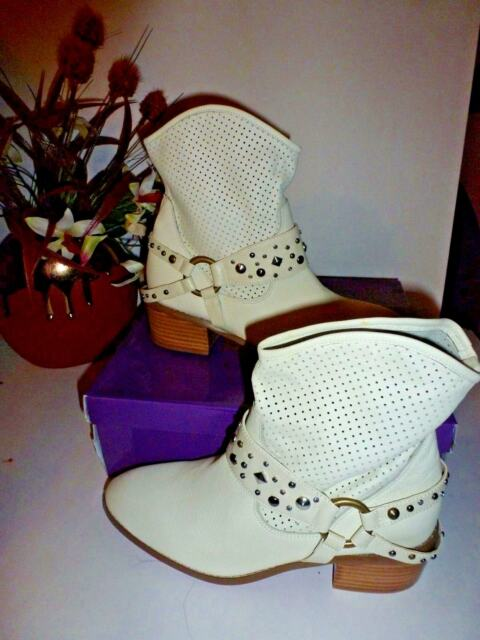 f2f4633924 Twiggy of London Ladies Off White Leather Booties 9 M | eBay