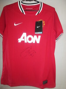 buy popular 10ff0 208c0 Details about Robin Van Persie Signed Manchester United Home Football Shirt  with COA /33060