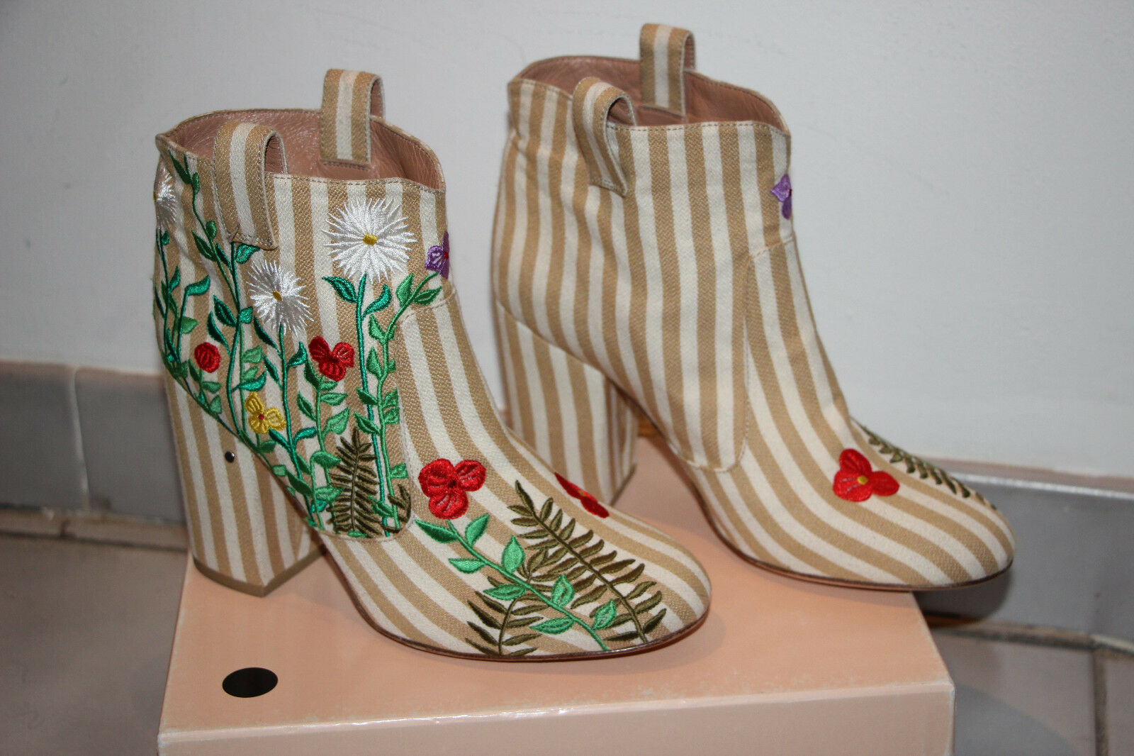 Laurence Dacade Multicolor Embroidered Ankle Boots sz US 7-7.5    IT 38  900