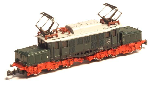 8812 Marklin Z-scale  EAST German crocodile Electric locomotive DR