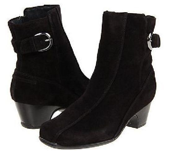 Women's Clarks Dara 111 Suede 7B Boots Black