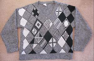 Objectif Gris, Noir + Blanc Argyle Pull-taille Moyenne-vintage-années 1980-v-cou-afficher Le Titre D'origine Une Grande VariéTé De Marchandises