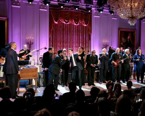 """BARACK OBAMA /""""IN PERFORMANCE @ THE WHITE HOUSE MEMPHIS SOUL/"""" 8X10 PHOTO ZY-389"""