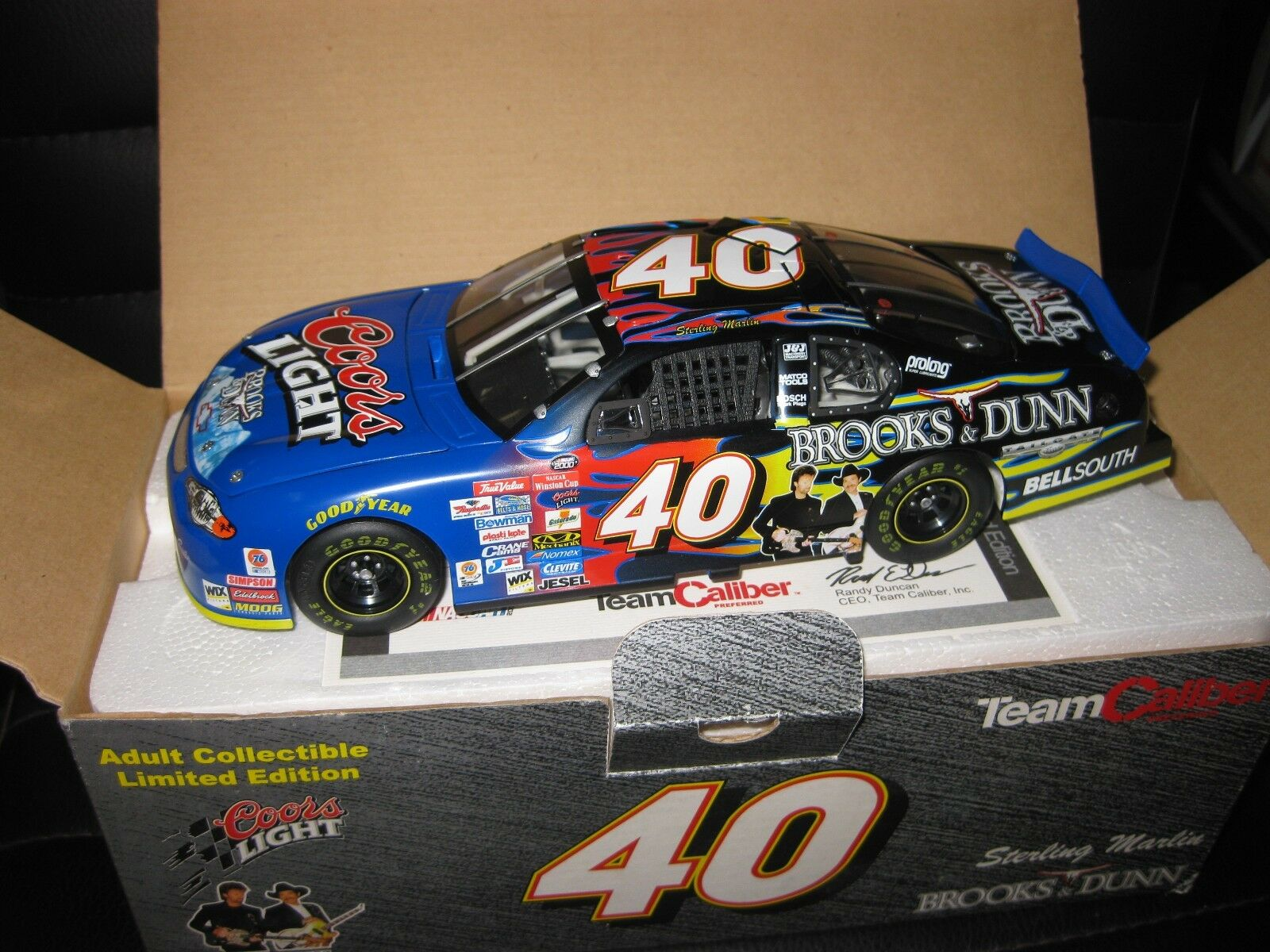 1.24 CALIBER NASCAR 2000 CHEVROLET MONTE CARLO  40 STERLING MARLIN BROOKS & DUNN