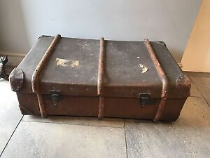 Vintage Steamer Trunk Suitcase Old Travel Trunk Cabin Trunk Coffee Table Ebay