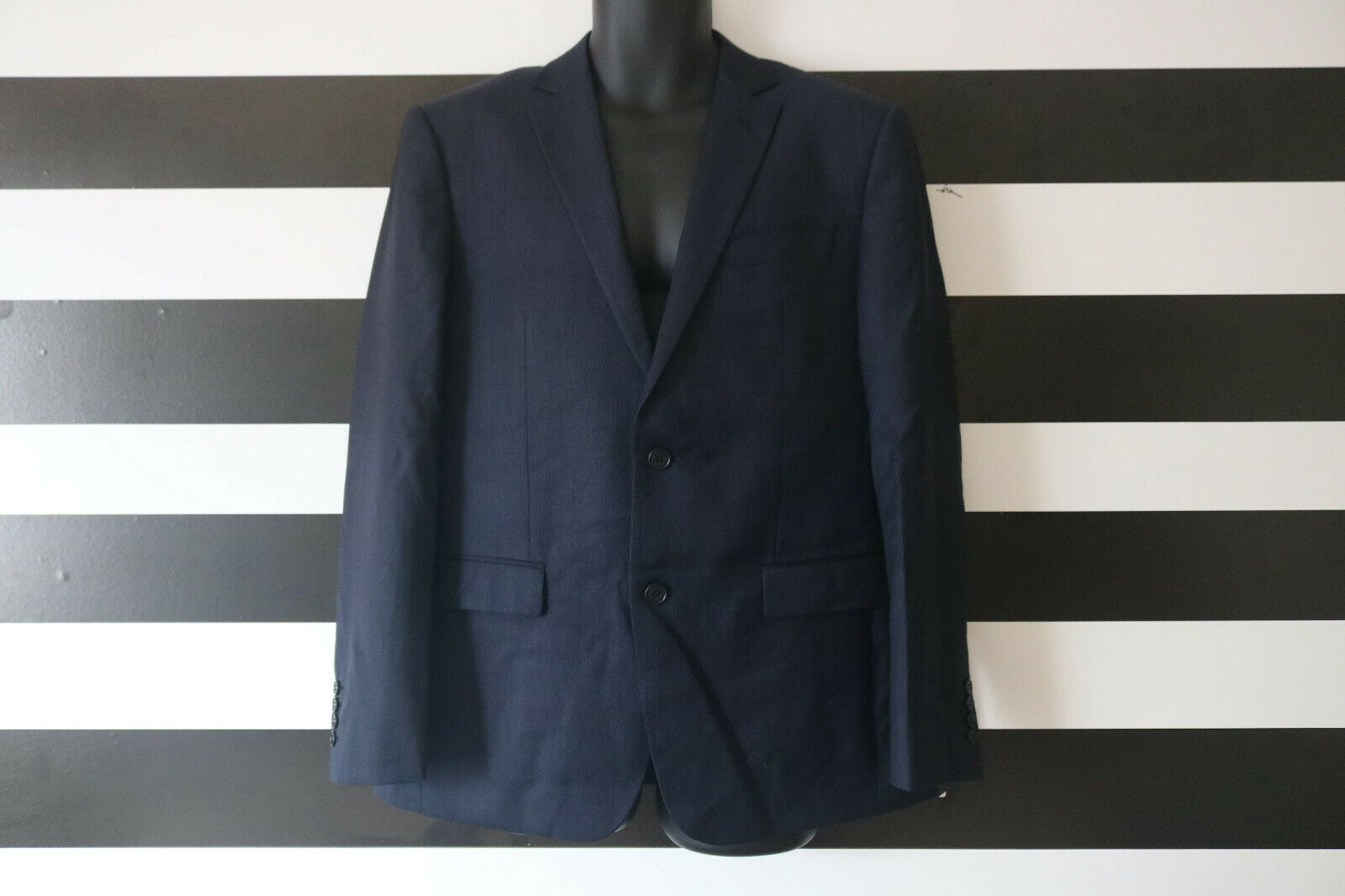 Daniel Hechter Men's Navy Two Piece Suit  Blazer 104NR, Pants 88