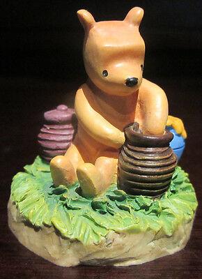 RARE Disney Lenox Classic Winnie the Pooh Hunny Honey Potts Thimble Ceramic