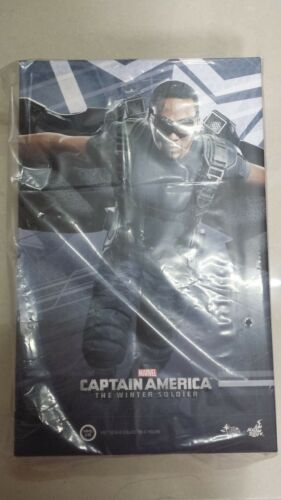 Hot Toys MMS 245 Captain America 2 Winter Soldier Falcon Anthony Mackie NEW