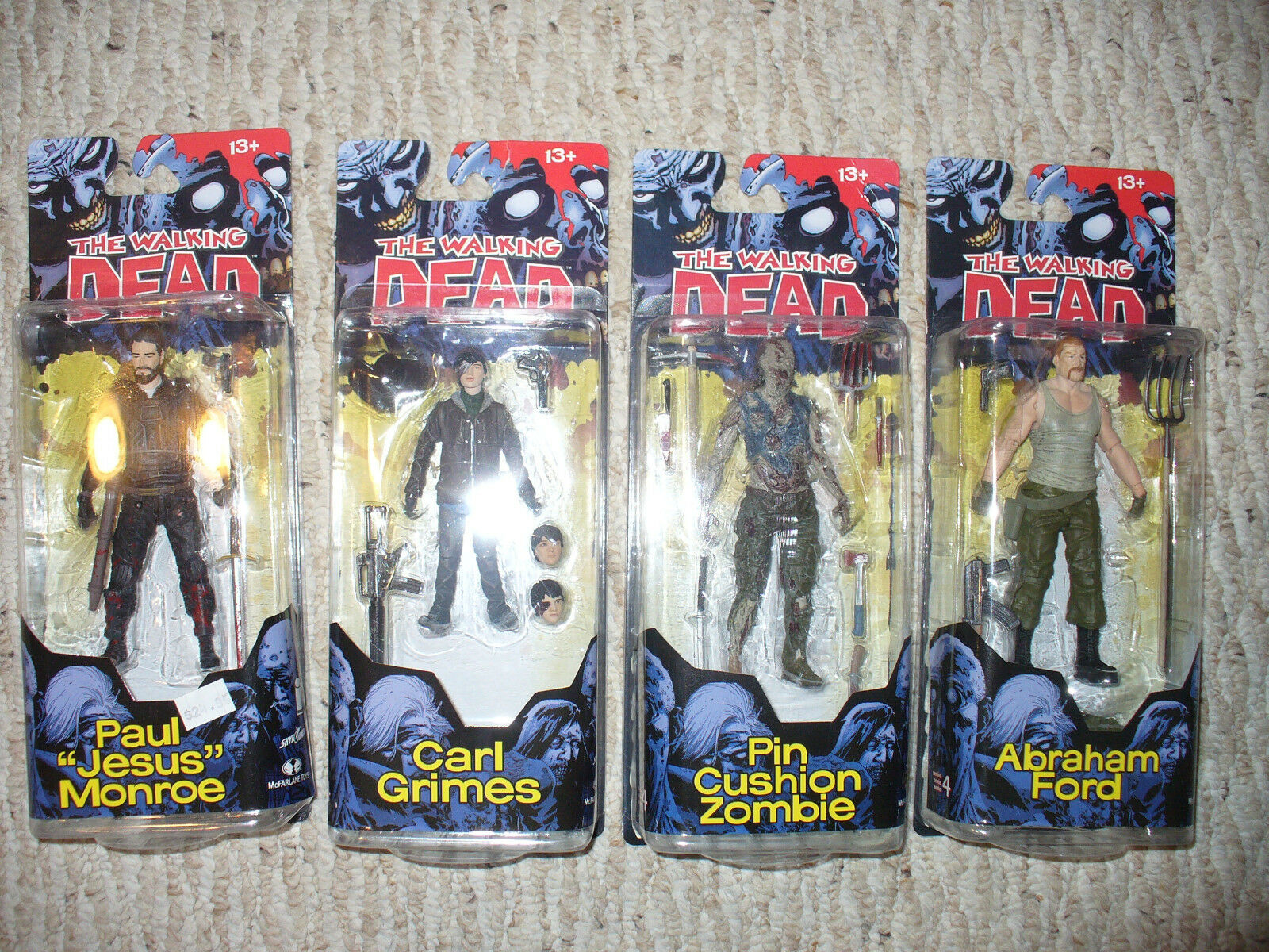 Set of 4 - Walking Dead Dead Dead McFarlane Toys 5  Action Figures Comic Book - Series 4 08fa9a