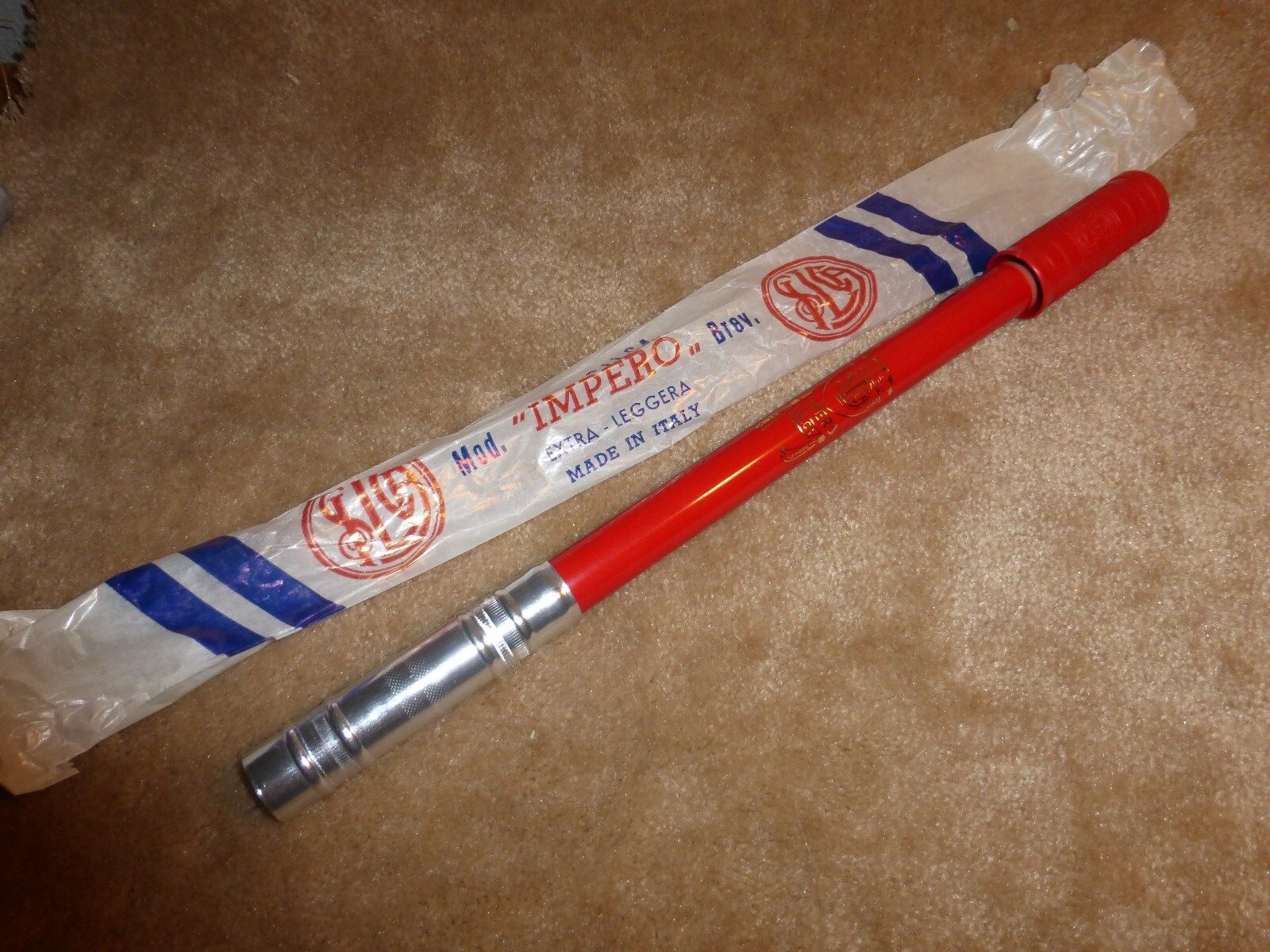 Vintage 1960's - 1970's  NOS   Silca  Flat Top  Frame Pump - RED  we offer various famous brand