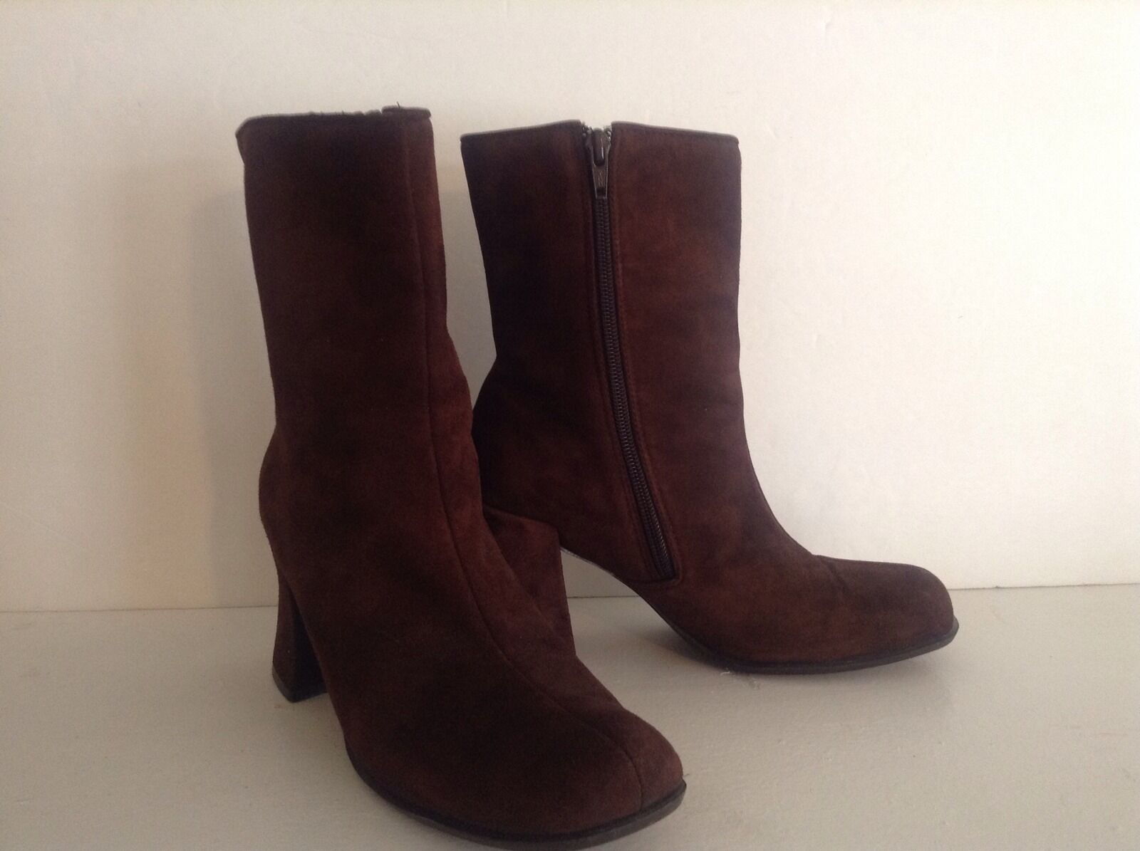 "Jones New York Leather Brown Suede  Ladies Sport Boot Size 7 B,M High 3"" & Up"