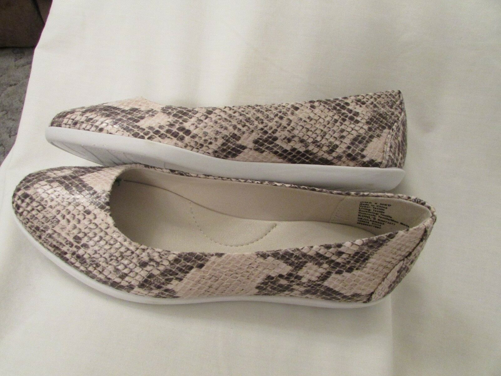 Ladies DanaBuchman Size 8.5, Tan Brown Jula Snake, Slip on, Flat, shoes