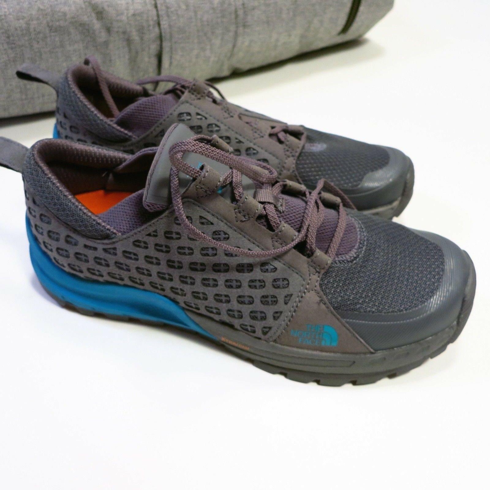 100 North Face Men's Mountain Sneaker Size 9 Grey blueeeeeeeee NEW Style NF0A32ZU  100% free shipping