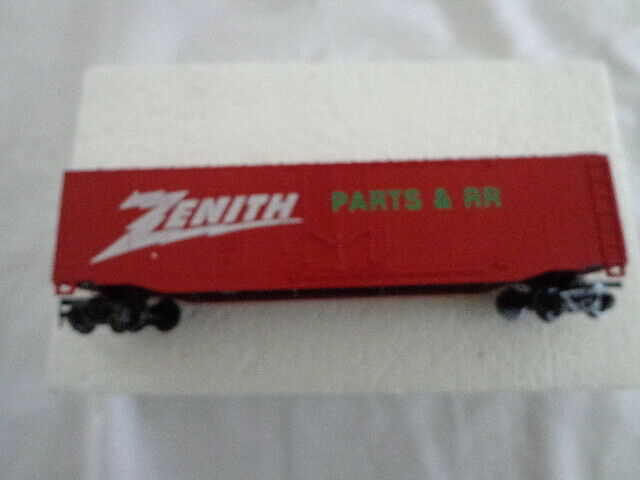 BACHMANN HO SCALE VINTAGE ZENITH  RED 51' STEEL BOX CAR AUDIO & VIDEO