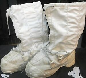 CANADIAN-ARMY-MUKLUKS-WINTER-ARCTIC-BOOTS-size-9
