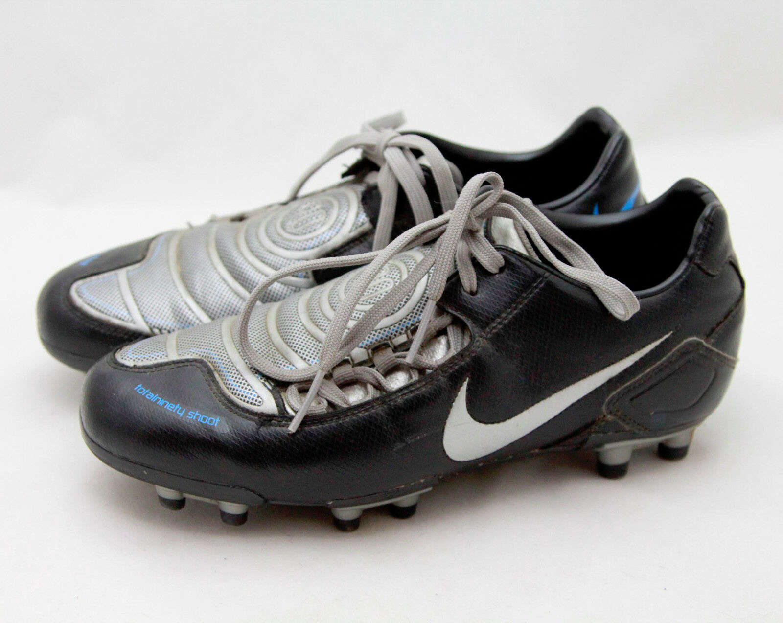 Nike TotalNinety Shoot Black Silver Cleats, Men's Size 7.5 Athletic Sneakers GUC