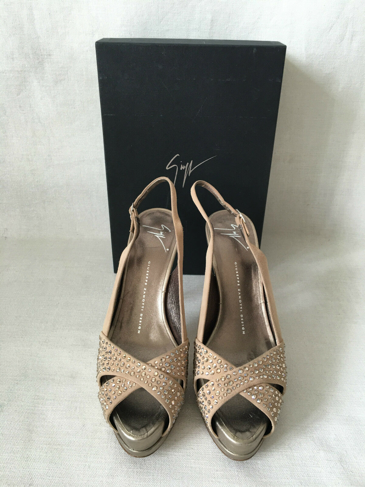 Giuseppe Zanotti Swarovski Crystal Rhinestone Studded Nude Suede Pumps shoes 39