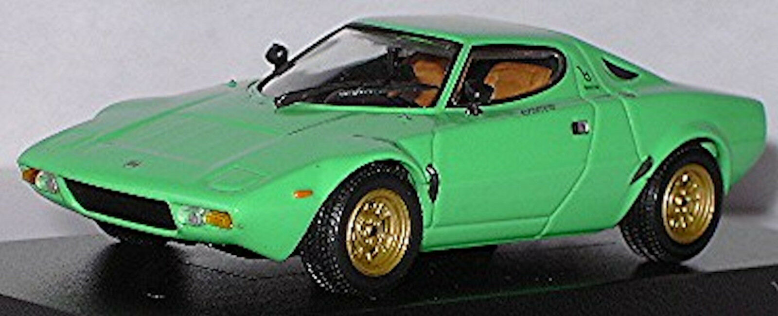 Lancia Stratos HF Stradale Coupé 1974 verde 1 43 Minichamps