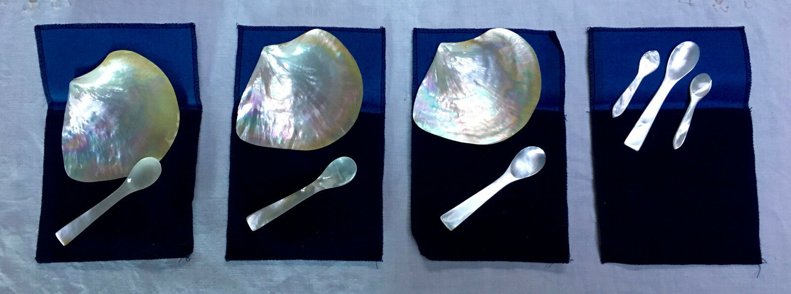 Nacre caviar Serving coquilles et cuillères (trois)