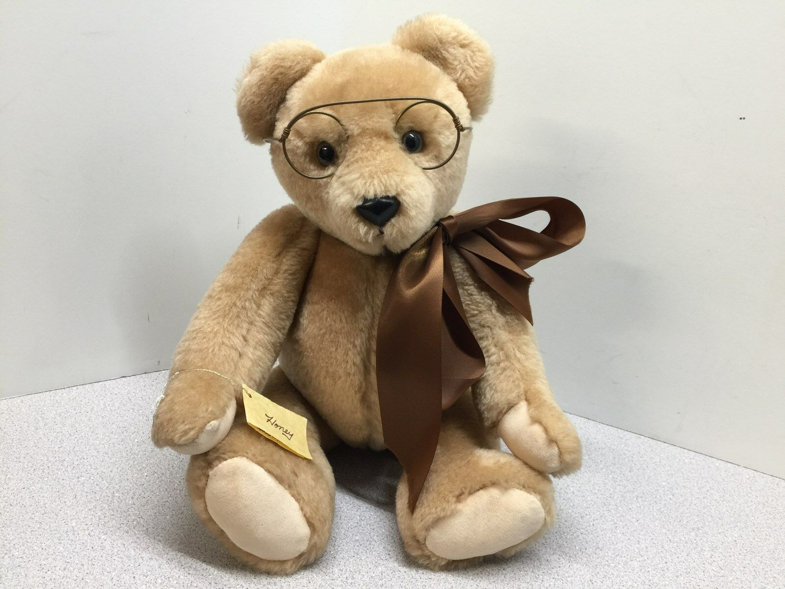Hand Made Teddy Bear by Patti Martin with BEAR PAUSE- 17  Tall - Name is  Honey