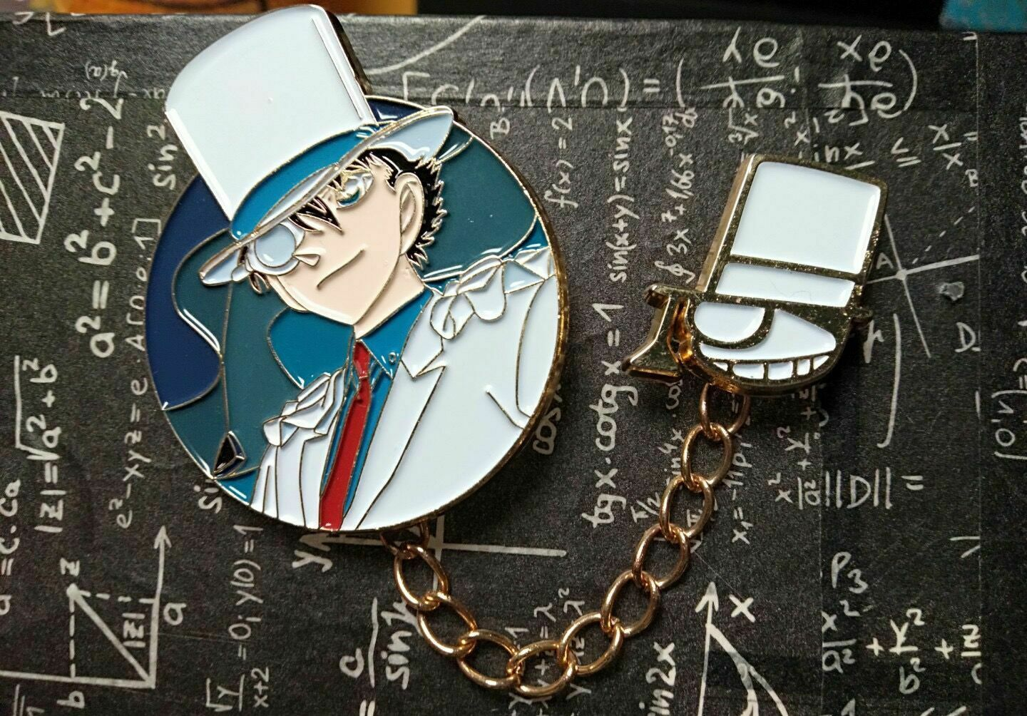 Detective Conan Kid the Phantom Thief Kuroba Kaito Enamel Brooch Badge Pin N