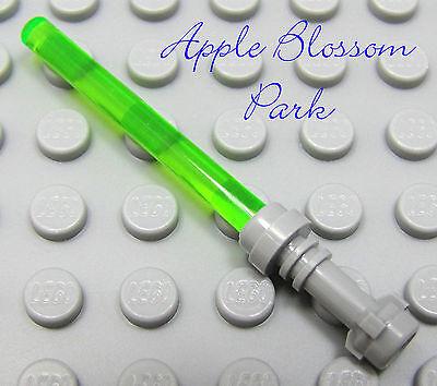NEW Lego Star Wars Minifig Trans GREEN LIGHT SABER Minifigure Jedi Weapon w//GOLD