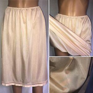 Vintage-Sedoso-Semitransparente-nylon-half-slip-cintura-28-a-42-034-Sz18-Palido-Caramelo