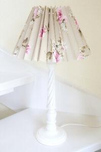 NORDIKA-Lampe-Faltschirm-Blumen-Beistelllampe-Lampenschirm-beige-rosa-Rosen