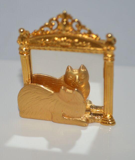 JJ Cat Feline in the Mirror Gold Tone Metal Brooch Pin Lapel Scarf Pin