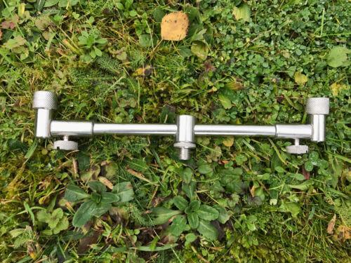 1 x Adjustable Short Stainless Steel 20-30CM 2 Rod Solid Carp Fishing Buzz Bar
