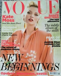 VOGUE Magazine August 2011 KATE MOSS Cover Womens Style Fashion Burberry Models
