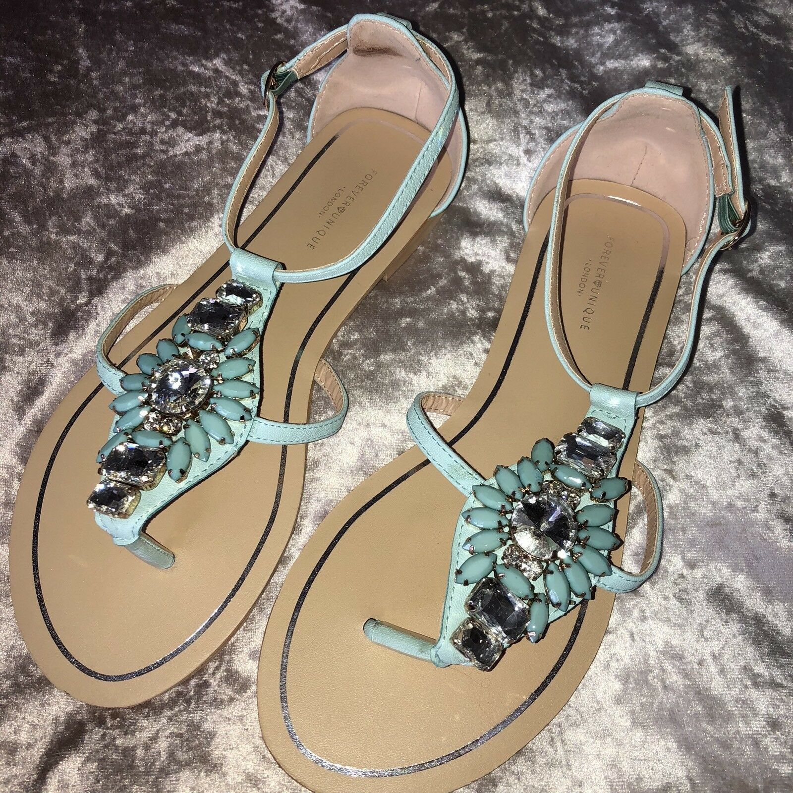 Forever Unique Gem Flavia Green Crystal Embellished Gem Unique Flip Flop Sandal Shoe 6 39 3a4649
