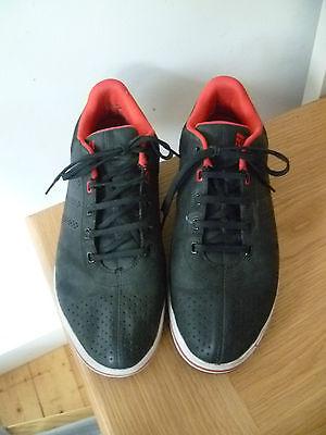 Adidas UK10 Talla 44.5 para hombre Negro Cuero Entrenadores buena condición de lavado