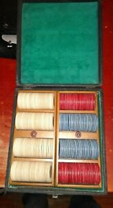 Vintage-Poker-Chips-Nice-in-case-latch-says-Moenau-Cleveland-room-for-cards