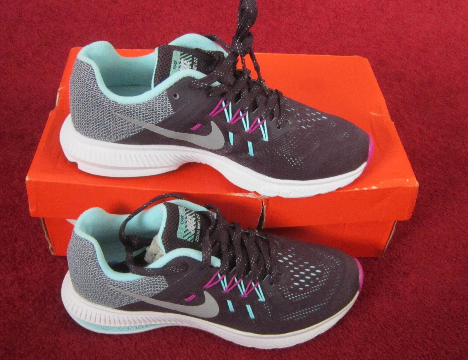 NIKE femmes ZOOM WINFLO 2 FLASH Taille 4.5 violet REFLECT argent RUNNING TRAINER