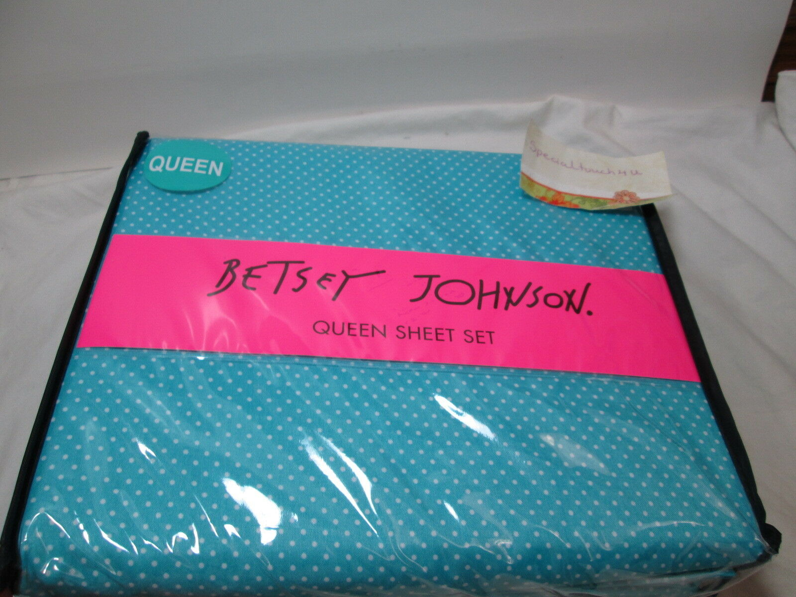New Betsey Johnson White Polka DOTS Queen Sheet Set  bluee and white NIP