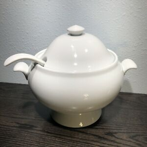 Pottery Barn Great White Porcelain Soup Tureen w/Lid & Ladle ~ 3 Piece Set