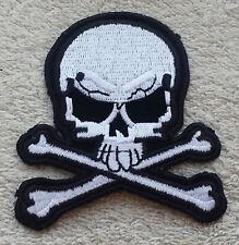 SKULL & CROSSBONES PATCH Cloth Badge/Emblem Pirate Biker Jacket Iron or Sew on